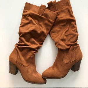 NWOT F21 Faux Suede Mid Calf Boot